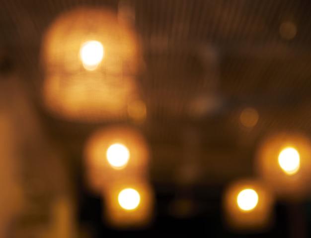 Niewyraźne Tło. Restauracja Ze Stołami I Krzesłami Rozmycie Tła światłem Bokeh. Premium Zdjęcia