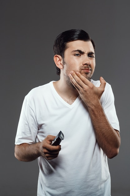 Niezadowolony Człowiek Do Golenia Maszynka Do Golenia Darmowe Zdjęcia