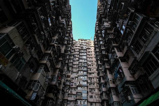 Niski Kąt Strzału Budynków Mieszkalnych W Hongkongu Darmowe Zdjęcia