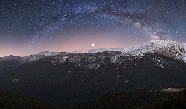 Noc W Górach Premium Zdjęcia
