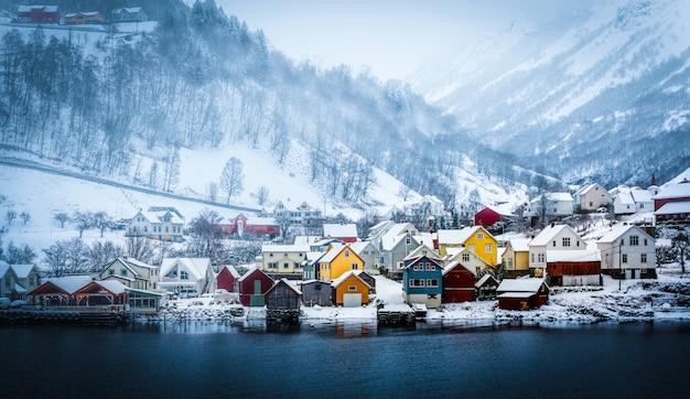 Norweskie Fiordy W Zimie Premium Zdjęcia