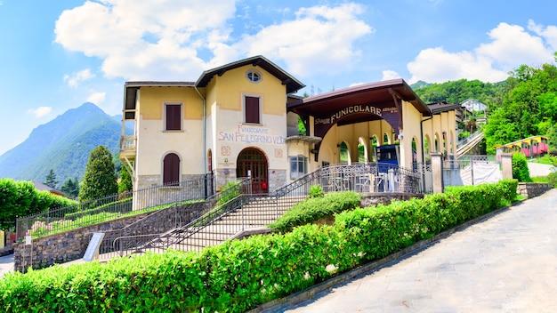 Nowa Kolejka Linowa San Pellegrino Terme Premium Zdjęcia