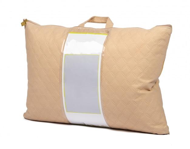 Nowa poduszka w pakowaniu odizolowywającym na bielu Premium Zdjęcia