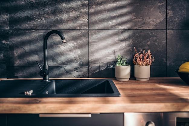 Nowoczesna czarna kuchnia Premium Zdjęcia