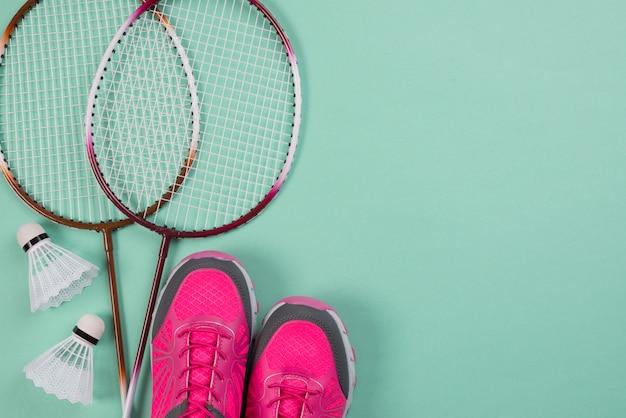 Nowoczesna kompozycja sportowa z elementami do badmintona Darmowe Zdjęcia