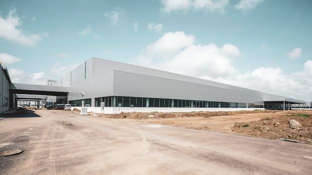 Nowoczesne budynki fabryczne i magazyny logistyczne Premium Zdjęcia