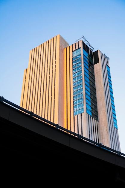 Nowoczesny budynek highrise Darmowe Zdjęcia