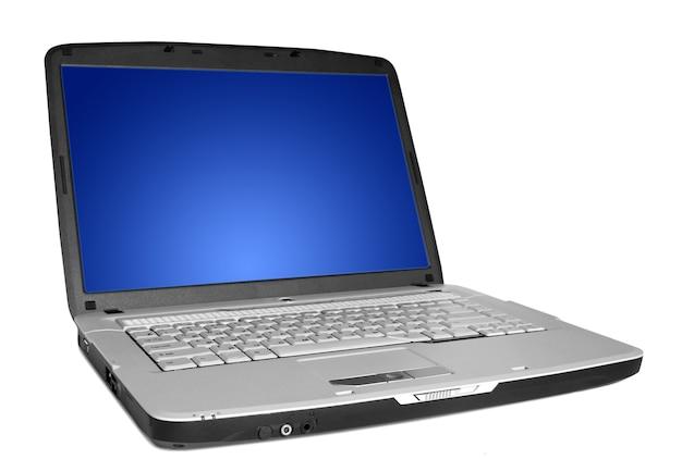 Nowoczesny Laptop Na Białym Tle Premium Zdjęcia