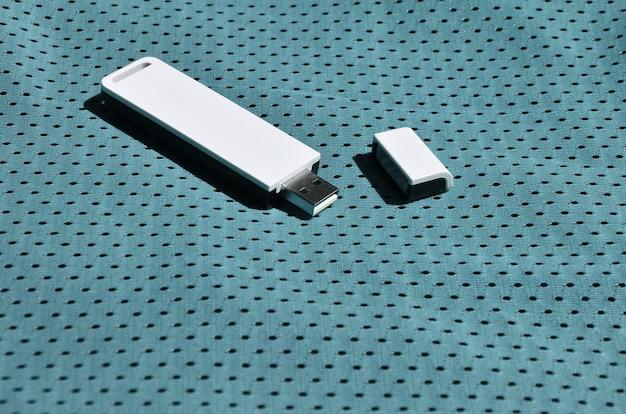 Nowoczesny przenośny adapter usb wi-fi Premium Zdjęcia