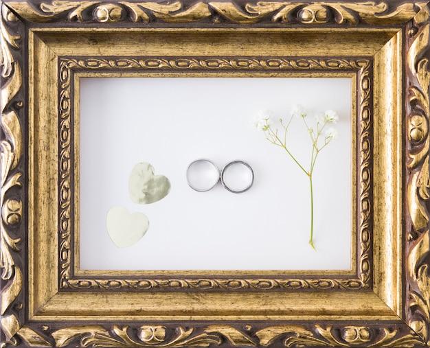 Obrączki ślubne Z Ornamentami Darmowe Zdjęcia