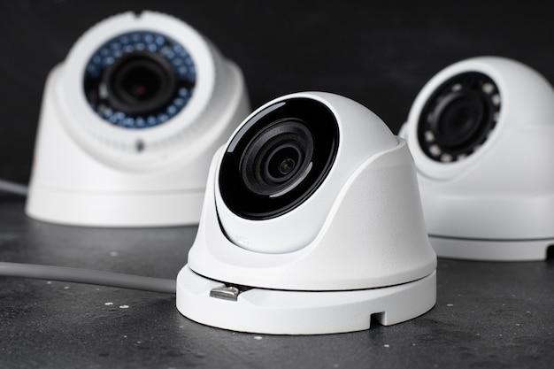 Ochrona Aparatu Na Ciemnym Tle Premium Zdjęcia