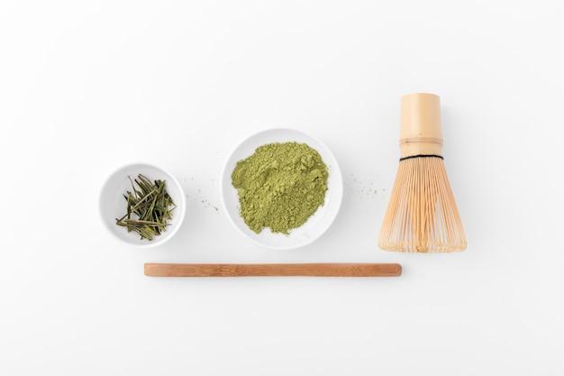 Odgórnego Widoku Matcha Herbaciany Pojęcie Na Stole Premium Zdjęcia