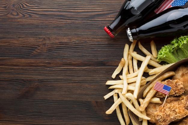 Odgórny Widok Amerykański Jedzenie Z Kopii Przestrzenią Darmowe Zdjęcia