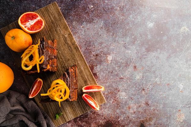 Odgórny Widok Tort Z Owoc I Kopii Przestrzenią Darmowe Zdjęcia