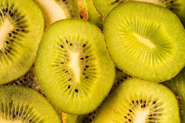 Odgórny Widok Wyśmienicie Pokrojona Kiwi Owoc Darmowe Zdjęcia
