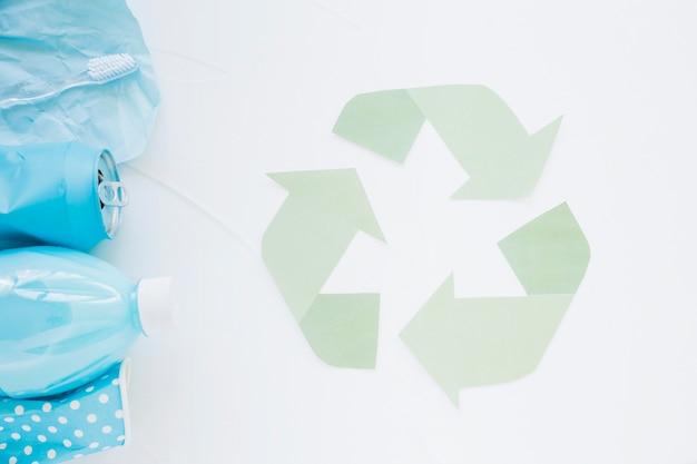Odzyskuj Logo Z Kolorowymi śmieciami Darmowe Zdjęcia