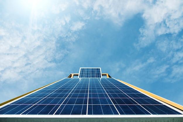 Ogniwo Słoneczne W świetle Dziennym Premium Zdjęcia
