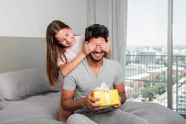 Ojciec I Córka Razem Na Dzień Ojca Darmowe Zdjęcia