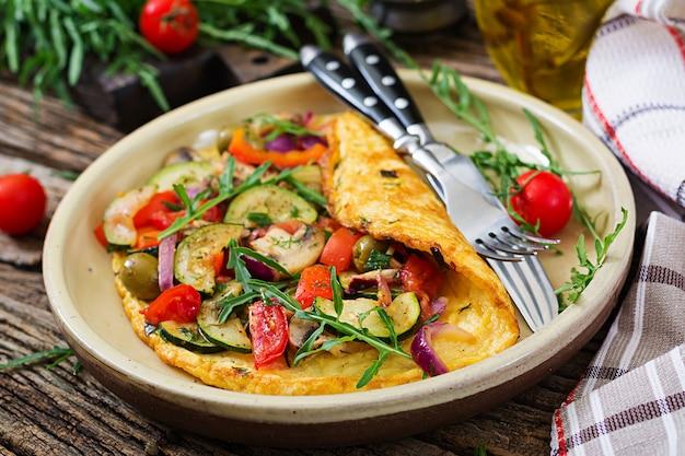 Omlet Z Pomidorami Cukinia I Grzybami Omlet Sniadanie Zdrowe