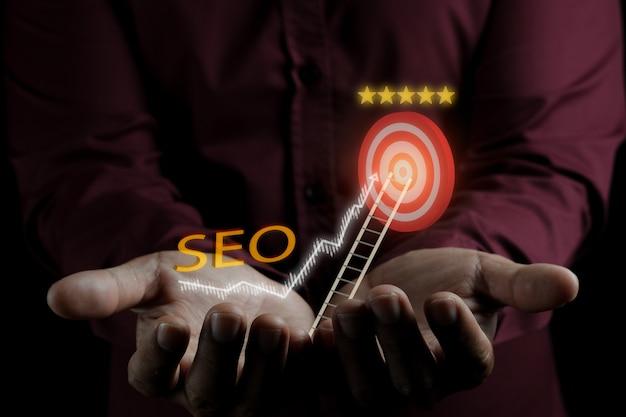 Optymalizacja Pod Kątem Wyszukiwarek - Pomysł Na Fotograficzną Fotografię Przy Słabym Oświetleniu Na Reklamę Biznesową Premium Zdjęcia