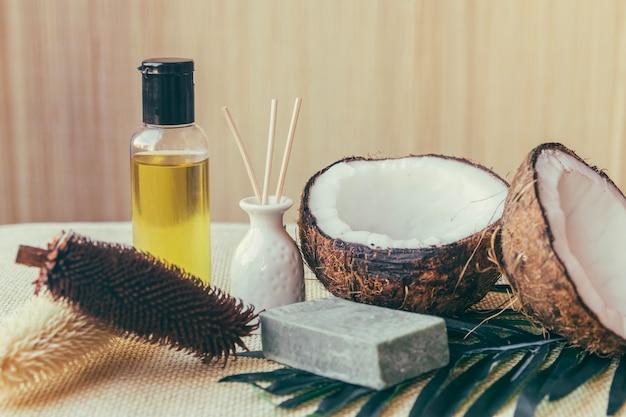 Orzechy kokosowe i szyszki roślin Darmowe Zdjęcia