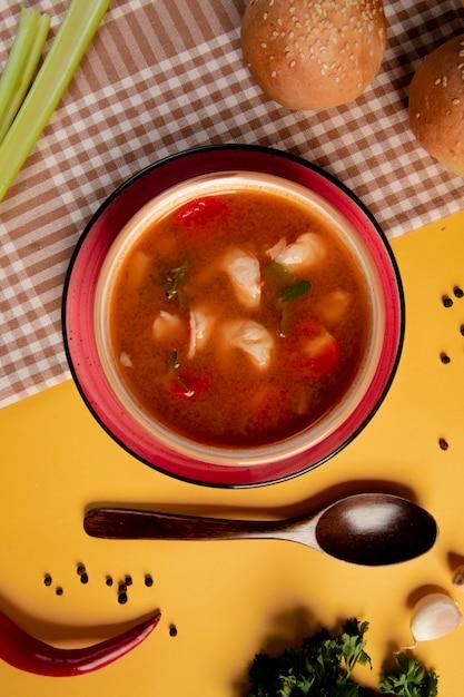 Ostra zupa z pomidorami i ziołami Darmowe Zdjęcia
