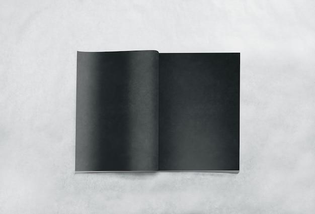 Otwarto Puste Czarne Strony Magazynu Premium Zdjęcia