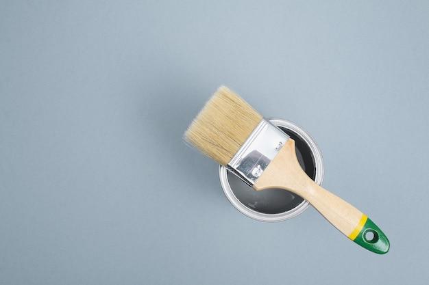 Otwórz Puszki Z Emalią Na Próbkach Szarej Palety Premium Zdjęcia