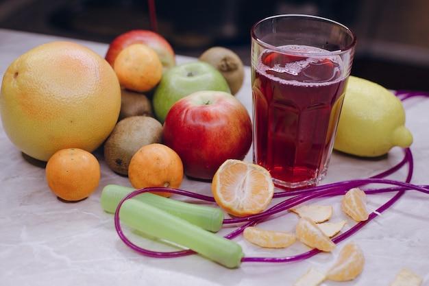 Owoce na stole Darmowe Zdjęcia