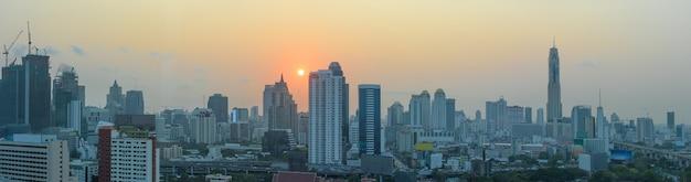 Panorama Bangkoku O Zachodzie Słońca Premium Zdjęcia