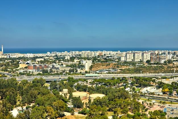 Panorama Tel Awiwu Z Widokiem Na Północne Obszary Tel Awiwu I Morze Premium Zdjęcia