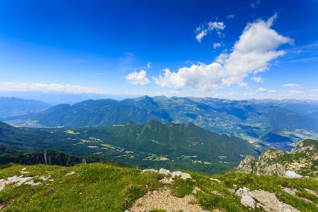 Panorama Z Włoskich Alp, Szczyt Góry Cima Larici Asiago Premium Zdjęcia