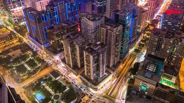 Panoramę Miasta Macau W Nocy, Macau Widok Z Lotu Ptaka Budynków Miasta I Wieży W Nocy. Premium Zdjęcia