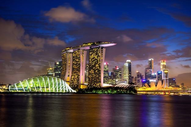 Panoramę Singapuru W Nocy. Darmowe Zdjęcia