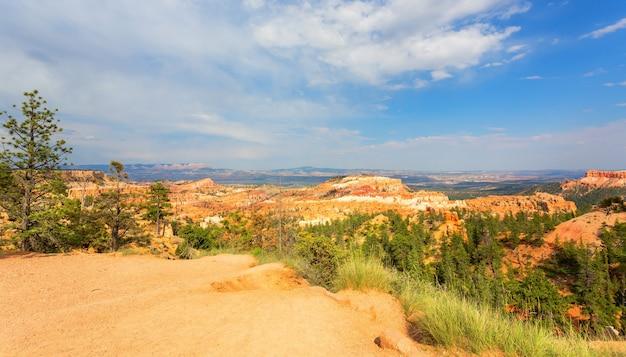 Panoramiczny Widok Z Góry Na Park Narodowy Bryce Canyon Premium Zdjęcia