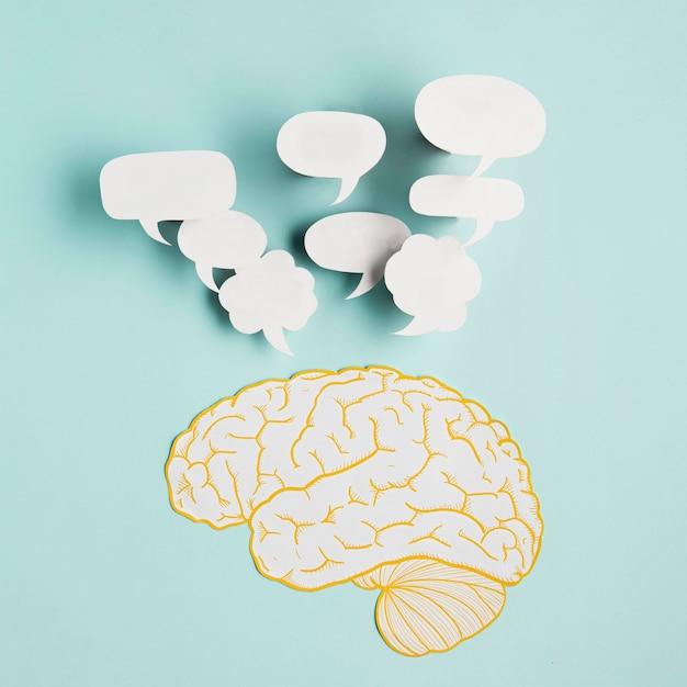 Papierowy Mózg Z Bąbelkami Czatu Darmowe Zdjęcia