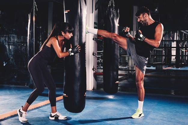 Para boks w siłowni Darmowe Zdjęcia