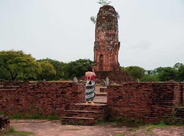 Park Historyczny Ayutthaya Obejmuje Ruiny Starego Miasta Ayutthaya Premium Zdjęcia