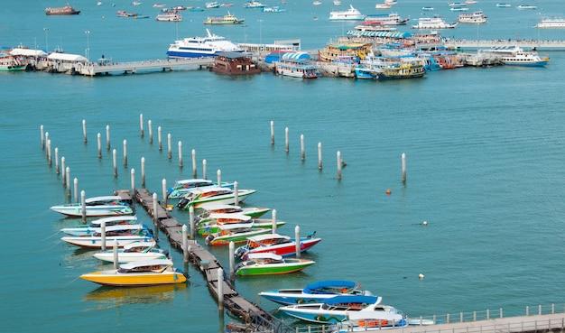 Pattaya Miasta Głąbika Piękny Zatoki Widok. Premium Zdjęcia