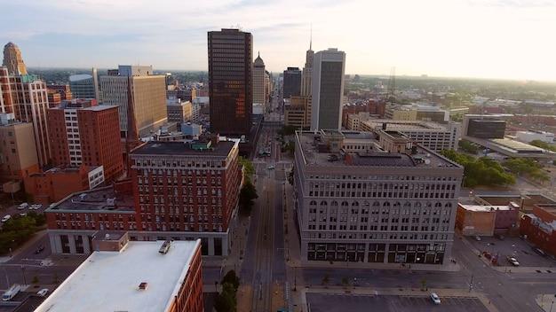 Pejzaż Miejski Z Wieloma Wysokimi Budynkami W Buffalo W Stanie Nowy Jork Darmowe Zdjęcia