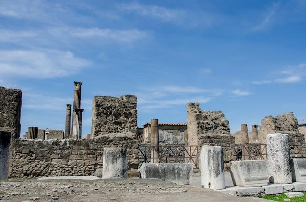 Pejzaż Starych Ruin Pompei We Włoszech Premium Zdjęcia