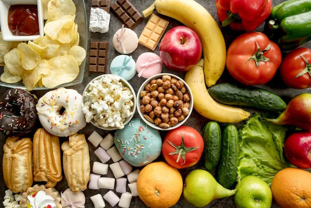 Pełna Rama Zdrowej I Niezdrowej żywności Darmowe Zdjęcia