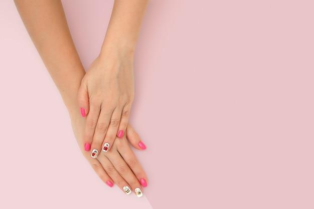 Perfect Manicure Gel Sztuki Połysku Mody Projekta Czysty Ręki Kobiety Czysty Zbliżenie Premium Zdjęcia