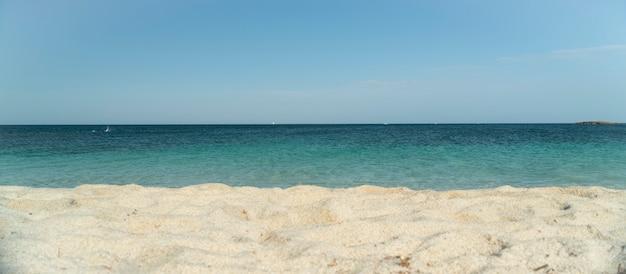 Piaszczysta Plaża Na Południu Sardynii Premium Zdjęcia