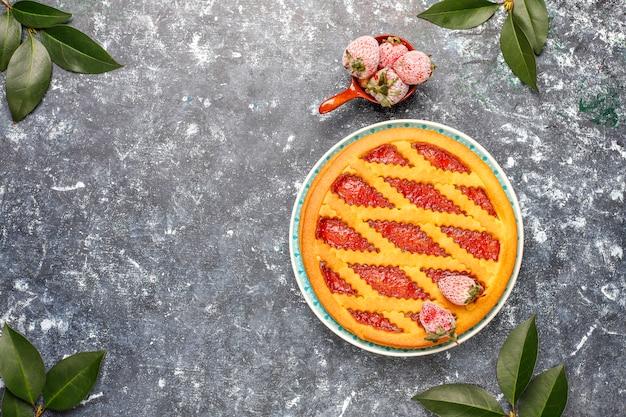 Pieczone Ciasto Dżem Truskawkowy Ciasto Słodkie Ciasto Widok Z Góry Darmowe Zdjęcia