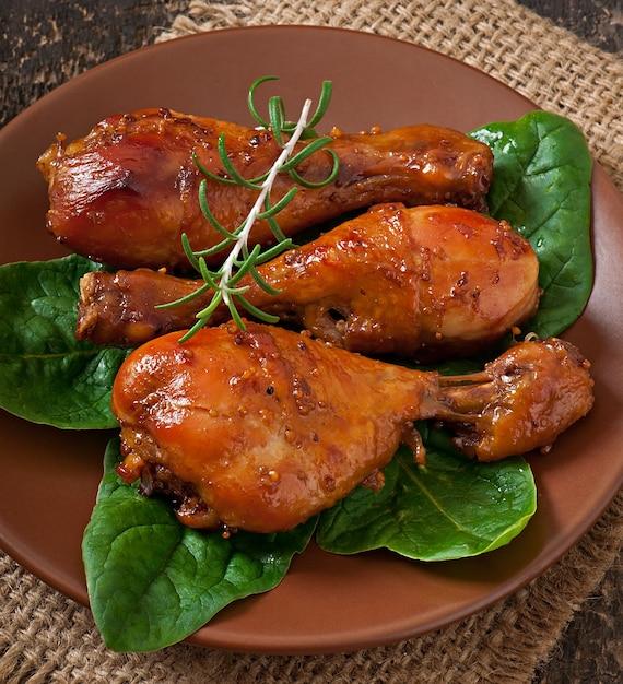 Pieczone Udka Z Kurczaka W Marynacie Musztardowo-miodowej Darmowe Zdjęcia