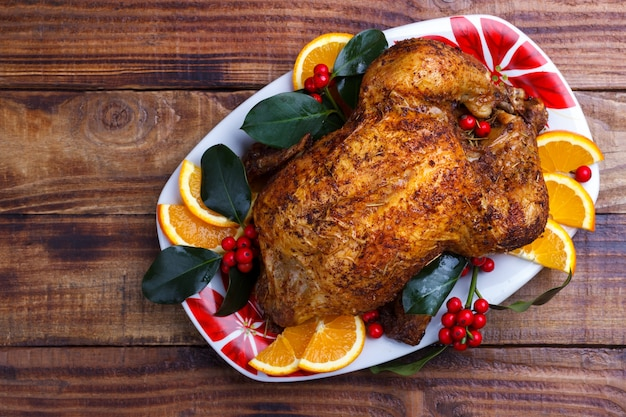Pieczony cały kurczak Premium Zdjęcia