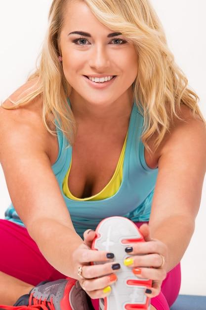 Piękna blondynka ćwiczeń Darmowe Zdjęcia