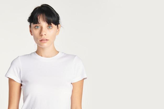 Piękna Dziewczyna Biała Przestrzeń Projektowa Darmowe Zdjęcia