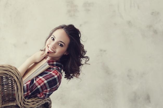 Piękna Dziewczyna W Domu Darmowe Zdjęcia